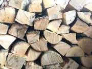 Дрова сухие,  колотые (разных пород деревьев)